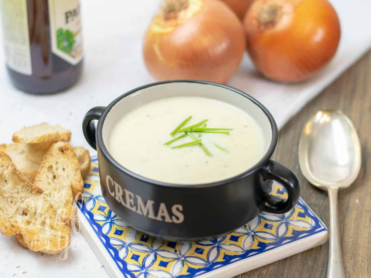 Crema de cebolla a la cerveza (Thermomix)