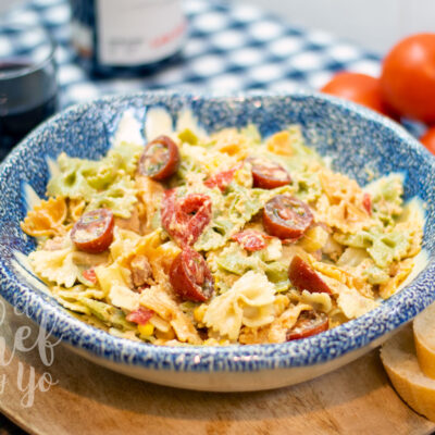 Ensalada de pasta con hummus