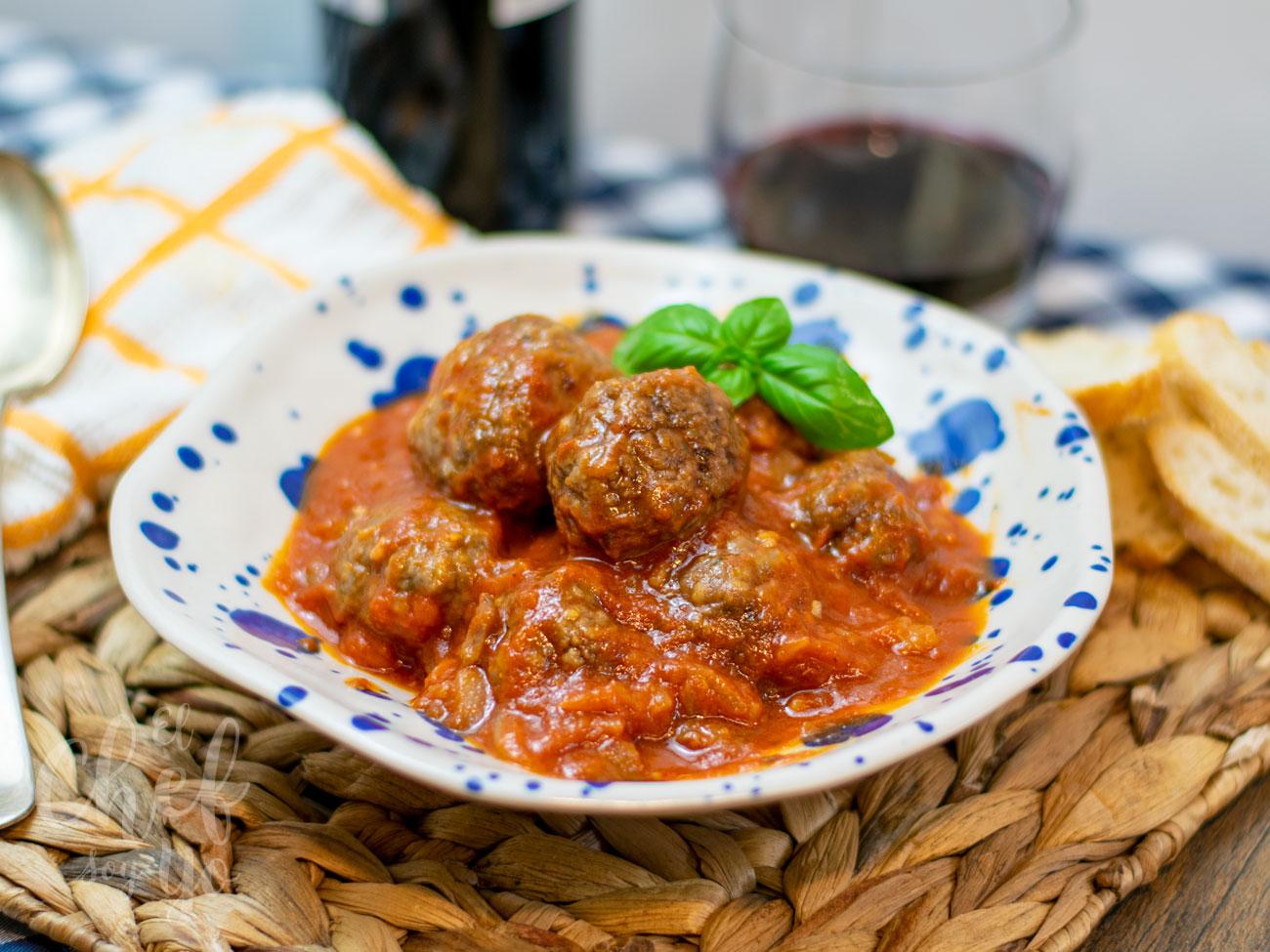 Albóndigas caseras con tomate