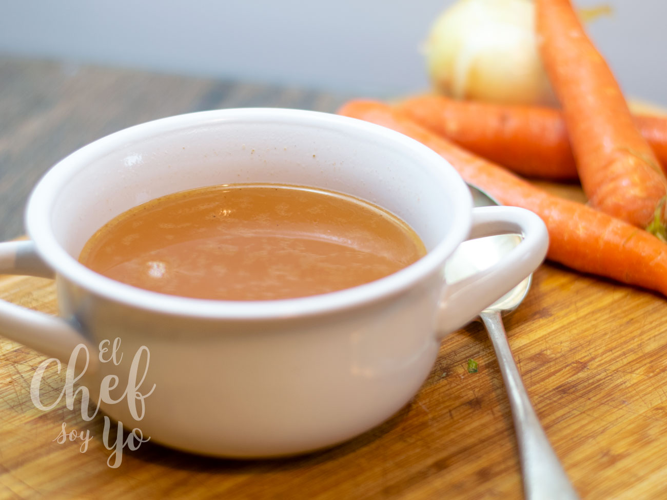 Caldo de huesos de asado (Crockpot)