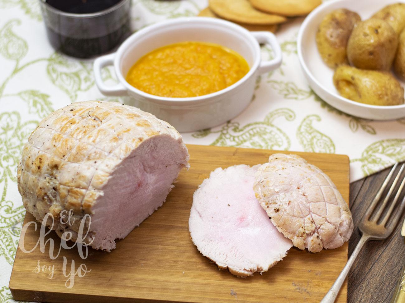 Roti de pavo al horno con salsa